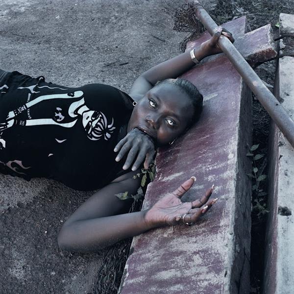 Pieter-Hugo-Nollywood-irritierende-Bilder-ueber-Afrika_bid_48257-3